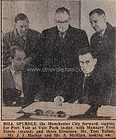 Freddie Steele signs Billy Spurdle