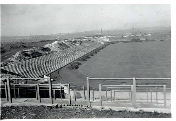 keith-hall-provided-this-old-picture-of-vale-park-under-construction