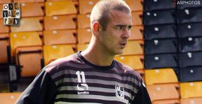 Port Vale re-sign Tom Pope on a two year deal