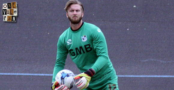Fleetwood sign former Vale keeper Chris Neal