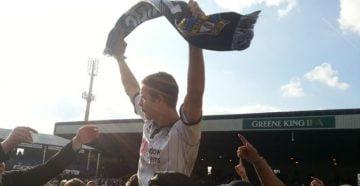 Tom Pope celebrates promotion 2013