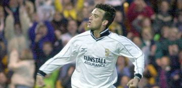 Robbie Williams plays for Port Vale