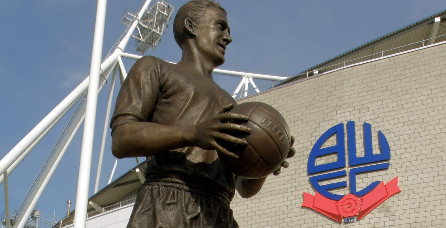 Nat Lofthouse statue by Heather from Leeds, England is licensed under CC BY 2.0