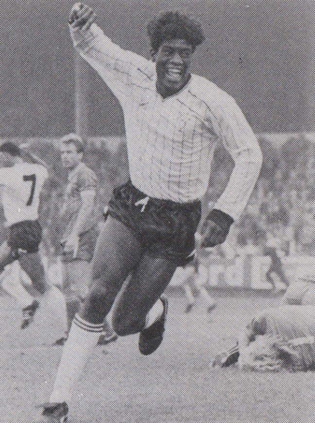 Robbie Earle scores against Swindon Town 1985