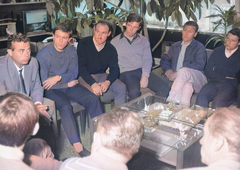 Mick Mahon, Ron Wilson, Jimmy Hill, Roy Sproson and Jimmy Goodfellow at Bata shoes - colourised version