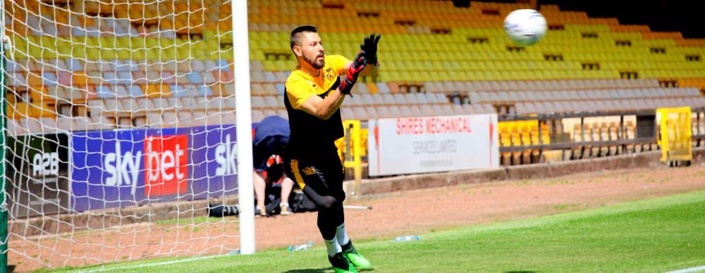 Lucas Covolan saves the ball