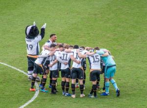 Port Vale 2-1 Mansfield Town - the Port Vale huddle