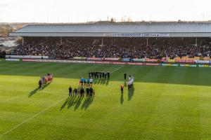 Teams and officials pay tribute on Remembrance Sunday ahead of the FA Cup clash with Sunderland.